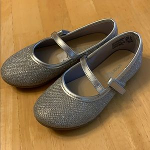 Girls size 9 toddler sparkly dress shoes